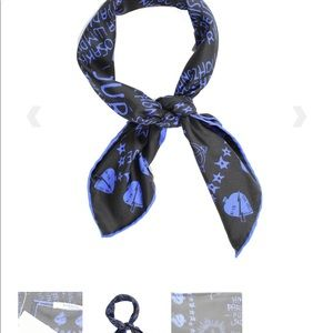 🆕Givenchy Silk square Scarf